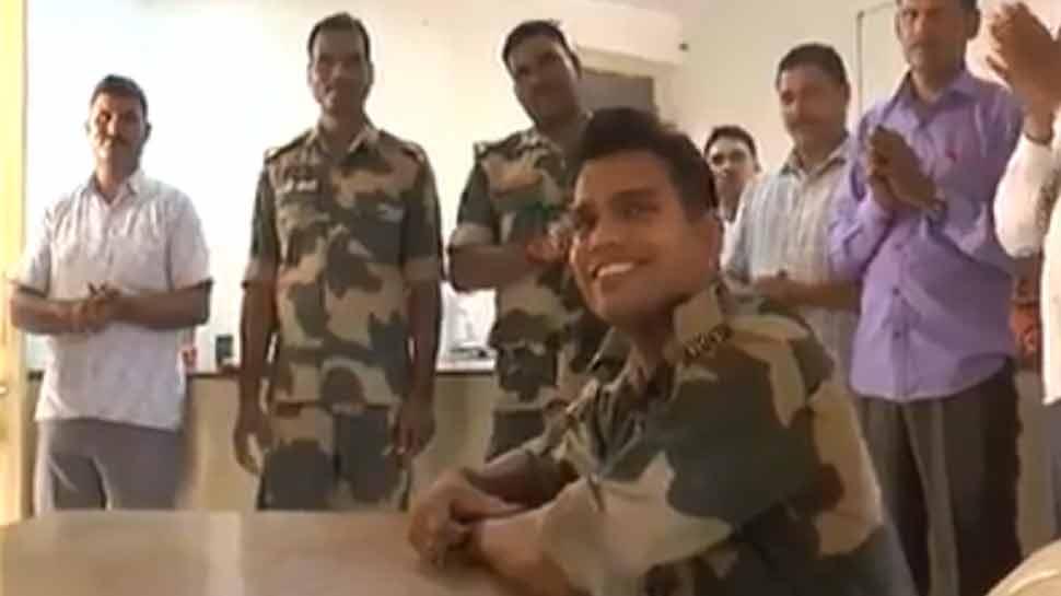 VIDEO: ಎಲ್ಲರನ್ನೂ ಭಾವುಕರನ್ನಾಸುತ್ತೆ ಬಿಎಸ್ಎಫ್ ಯೋಧನ ಈ ಹಾಡಿನ ಸಂದೇಶ
