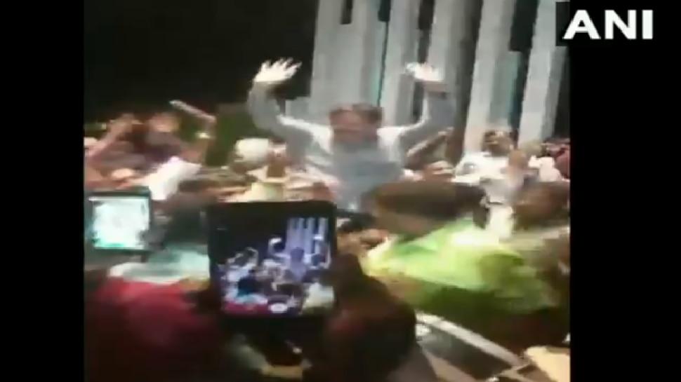 VIDEO: ಬಿಜೆಪಿ ಕಾರ್ಯಕರ್ತರ ವಿಜಯೋತ್ಸವದಲ್ಲಿ ಶಾಸಕ ರೇಣುಕಾಚಾರ್ಯ ಡ್ಯಾನ್ಸ್!