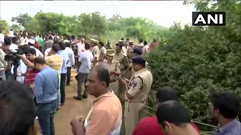 ಹೈದ್ರಾಬಾದ್ ಎನ್ಕೌಂಟರ್: ಶಂಶಾಬಾದ್ DCP ಹೇಳಿದ್ದೇನು?