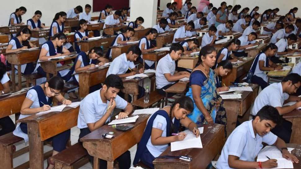 ಕೊರೊನಾಗೆ ಕರ್ನಾಟಕ ತತ್ತರ: SSLC-PUC ಪರೀಕ್ಷೆ ಮುಂದೂಡಿಕೆ