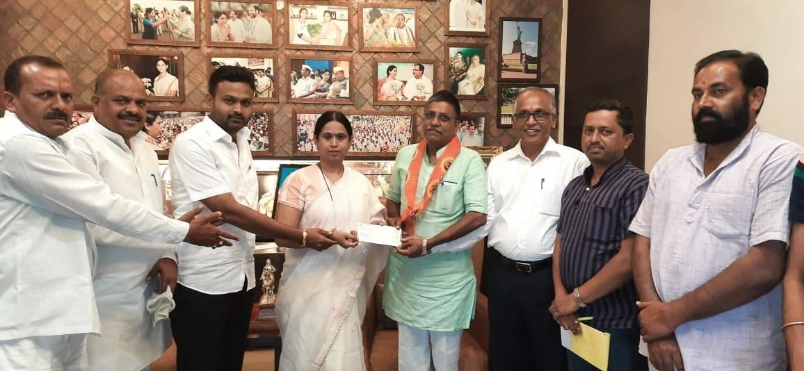 Congress: ರಾಮ ಮಂದಿರ ನಿರ್ಮಾಣಕ್ಕೆ '₹ 2 ಲಕ್ಷ ದೇಣಿ'ಗೆ ನೀಡಿದ ಕಾಂಗ್ರೆಸ್ ಶಾಸಕಿ..!