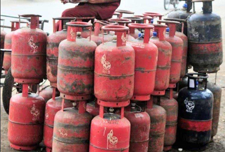 Gas Cylinder: ಗ್ಯಾಸ್ ಸಿಲೆಂಡರ್ ಮೇಲೆ '₹ 700 ರಿಯಾಯಿತಿ' ಪಡೆಯಲು ಇಂದೇ ಕೊನೆ ದಿನ..!