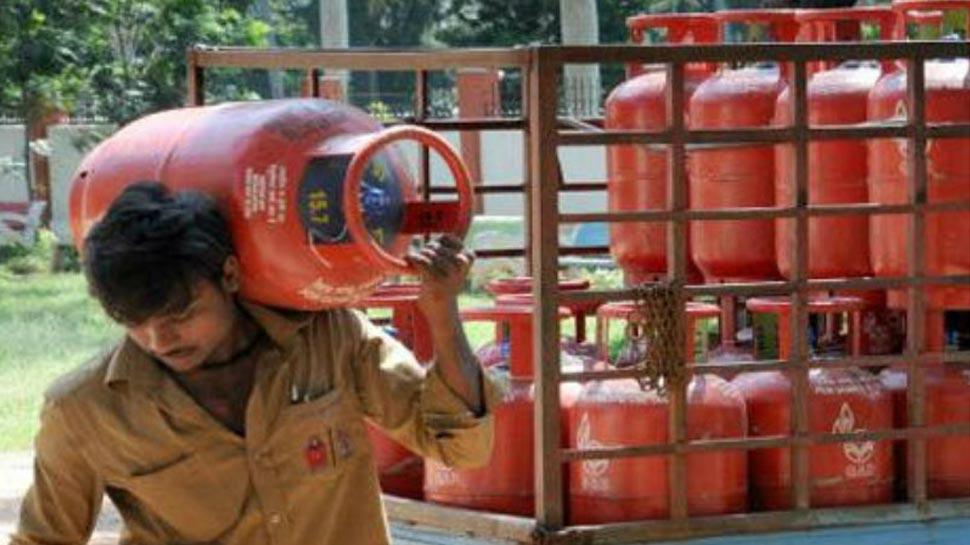 LPG Cylinder Price : ಮಾರ್ಚ್ ಮೊದಲ ದಿನವೇ ಮತ್ತೆ ಗಗನಕ್ಕೇರಿದ ಅಡುಗೆ ಅನಿಲ ದರ