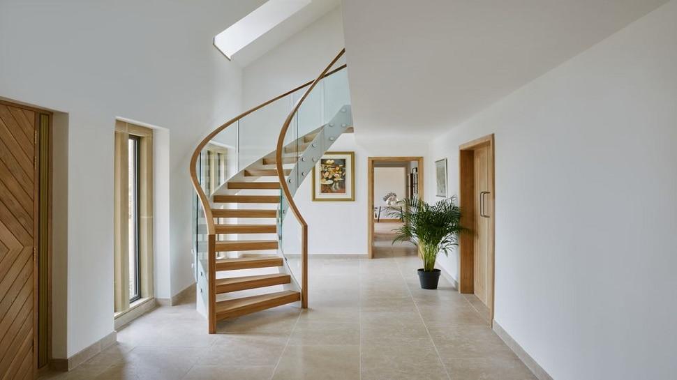 Staircase Vastu Tips - ಮನೆಯ  Staircaseನಲ್ಲಿ ಅಡಗಿದೆ ಯಶಸ್ಸಿನ ಗುಟ್ಟು