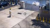 Video: ಡ್ರೈವರ್ ಬ್ರೇಕ್  ಬದಲು ಆಕ್ಸಿಲೇಟರ್ ಒತ್ತಿದ್ದಾಗ ಮುಂದೆ ಆಗಿದ್ದೇನು ಗೊತ್ತೇ?