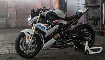 BMW S1000R Bike Launched In India: ಭಾರತೀಯ ಮಾರುಕಟ್ಟೆಗೆ S1000R ಬಿಡುಗಡೆ ಮಾಡಿದ BMW, ಇಲ್ಲಿದೆ ಈ ಸೂಪರ್ ಬೈಕ್ ವೈಶಿಷ್ಟ್ಯ ಹಾಗೂ ಬೆಲೆ ವಿವರ