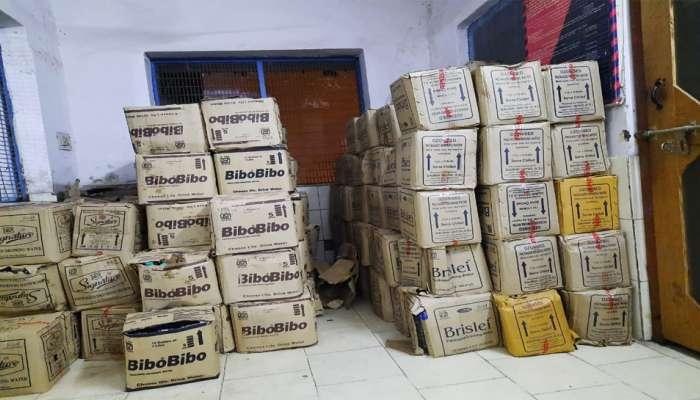 ನವದೆಹಲಿ ರೈಲು ನಿಲ್ದಾಣದಲ್ಲಿ 40,000ರೂ. ಮೌಲ್ಯದ ಅಕ್ರಮ ನೀರಿನ ಬಾಟಲ್ ವಶ, ಇಬ್ಬರ ಬಂಧನ
