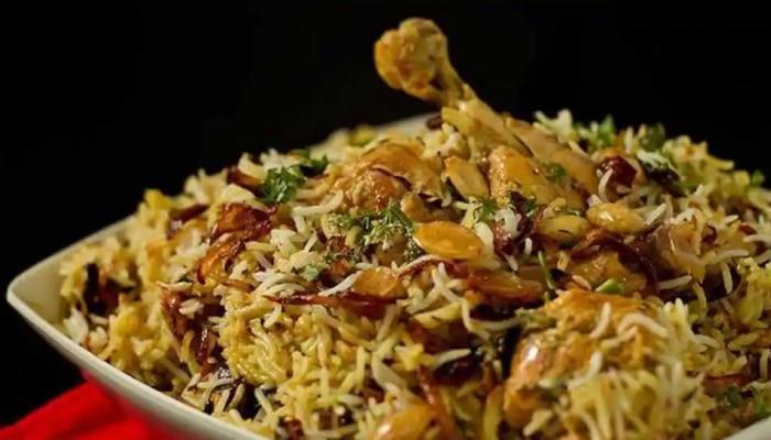 Video: ಬೆಂಗಳೂರಿನಲ್ಲಿ ಬಿರಿಯಾನಿಗಾಗಿ 1.5 ಕಿಲೋಮೀಟರ್ ಸರತಿ ಸಾಲಿನಲ್ಲಿ ನಿಂತ ಜನ ..!