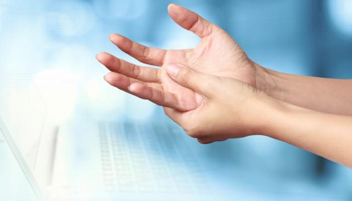 Palmistry: ನಿಮ್ಮ ಕೈಯಲ್ಲಿಯೂ ಕೂಡ ಈ ರೇಖೆ ಇದೆಯಾ? ಹಾಗಾದರೆ ನಿಮಗಿದೆ ಸರ್ಕಾರಿ ನೌಕರಿಯ ಯೋಗ