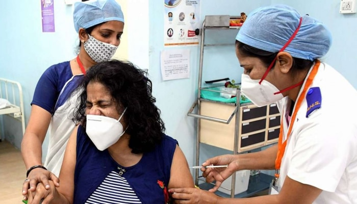Covid-19 Vaccination To Corona Recovered Patients: Corona ಸೋಂಕಿನಿಂದ ಚೇತರಿಸಿಕೊಂಡವರಿಗೆ ಎಷ್ಟು ದಿನಗಳ ಬಳಿಕ ವ್ಯಾಕ್ಸಿನ್ ಸಿಗಲಿದೆ ಗೊತ್ತಾ?