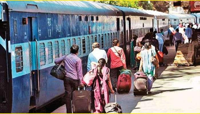 Indian Railways : ರೈಲು ಟಿಕೆಟ್ ಬುಕ್ ಮಾಡಲು ಆಧಾರ್ ಕಾರ್ಡ್, ಪಾಸ್ ಪೋರ್ಟ್ ಕಡ್ಡಾಯ!