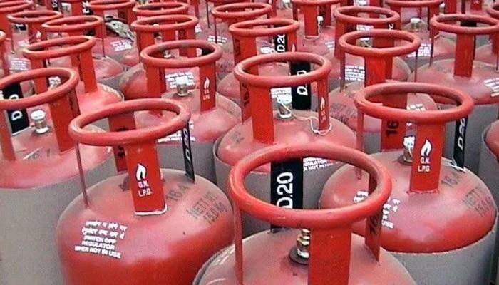 LPG Gas Cylinder Price: ಅಡುಗೆ ಅನಿಲ ಬೆಲೆಯಲ್ಲಿ ರೂ.73.50 ಏರಿಕೆ, ಈ ತಿಂಗಳ ದರ ಎಷ್ಟು?