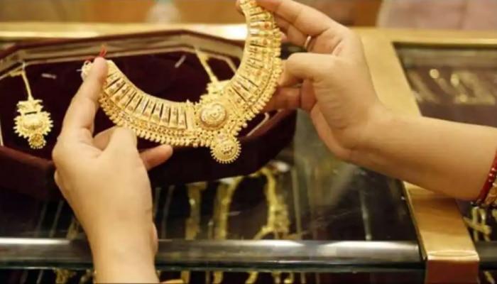 Gold Rate : ಆಭರಣ ಪ್ರಿಯರಿಗೆ ಬಿಗ್ ಶಾಕ್ : 50 ಸಾವಿರ ರೂ. ಗಡಿ ದಾಟಿದ ಚಿನ್ನದ ಬೆಲೆ!