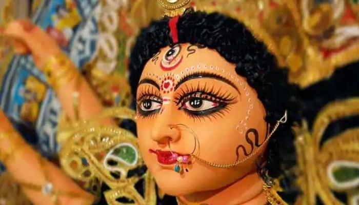 Navratri 2021 Dress: ನವರಾತ್ರಿಯ 9 ದಿನ ವಿವಿಧ ಬಣ್ಣದ ಬಟ್ಟೆ ಧರಿಸಿ, ದೇವಿಯ ಕೃಪಾವೃಷ್ಟಿ ನಿಮ್ಮ ಮೇಲಾಗಲಿದೆ