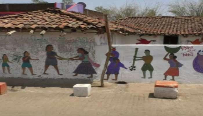 ಇದು ವರ್ಣಚಿತ್ರಕಾರರ ಗ್ರಾಮ, ಮನೆಯಿಂದ ರಸ್ತೆವರೆಗೆ ಹಲವು ಕಲಾಕೃತಿಗಳು: See Pics